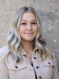Bina frisör på Hair by Angels