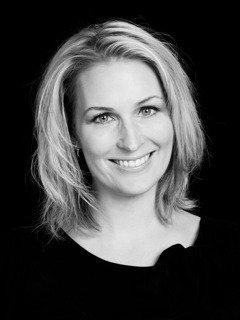 Caroline frisör på Studio Ekerö