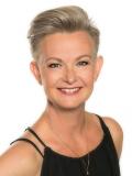 Jennifer frisör på Hair & Beauty Kungälv