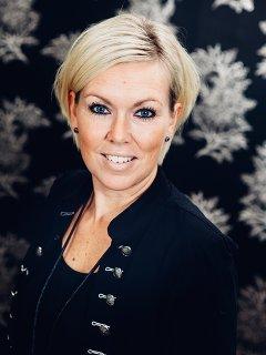 Annelie frisör på Studio Fame